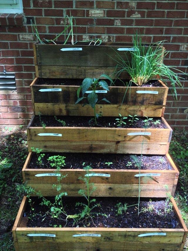 DIY Herb Garden Pallet