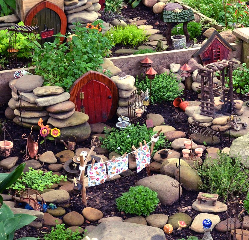 DIY Miniature Fairy Garden Accessories | Garden Design Ideas