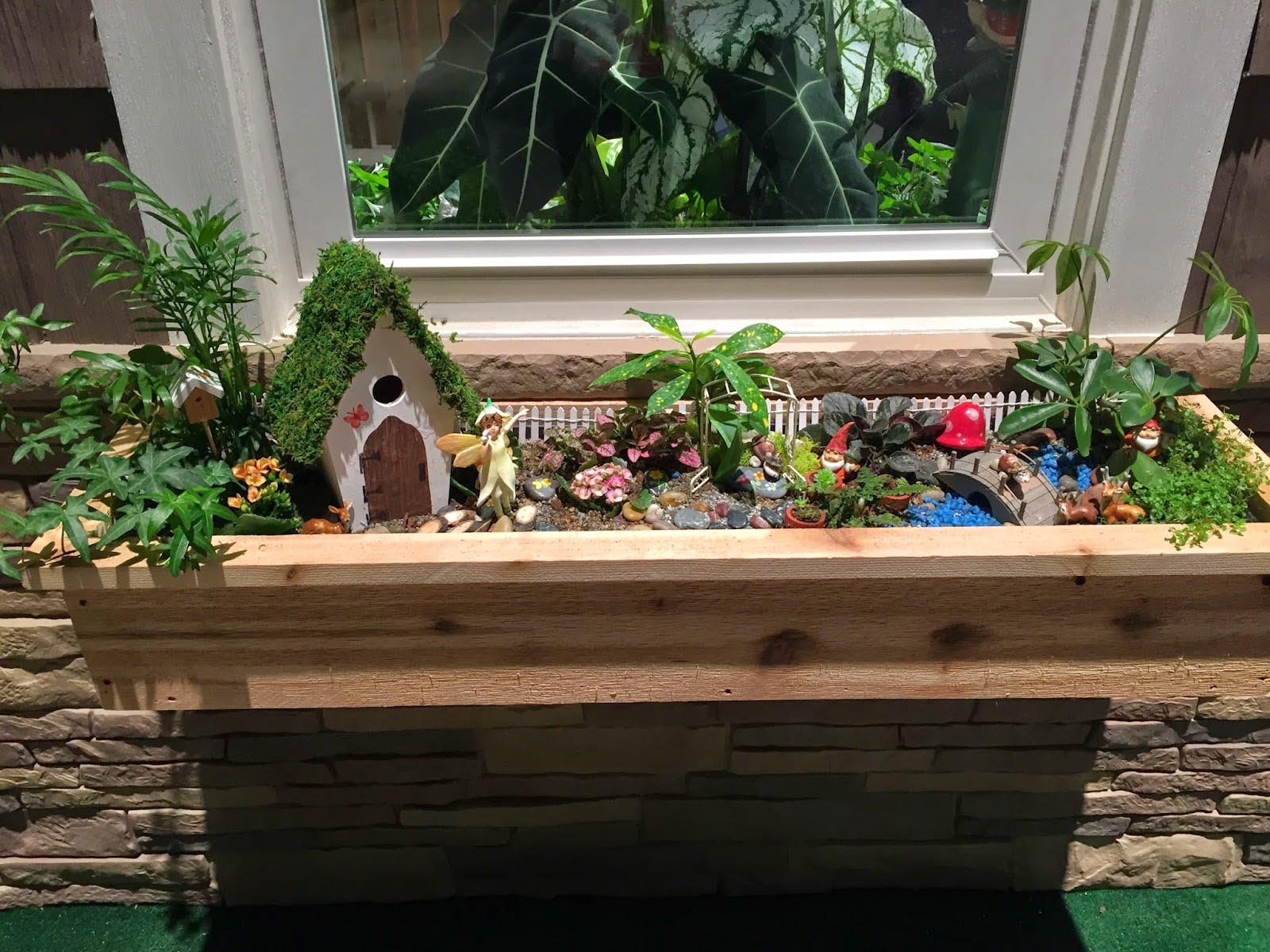 Fairy garden planter box garden design ideas for Garden planter ideas
