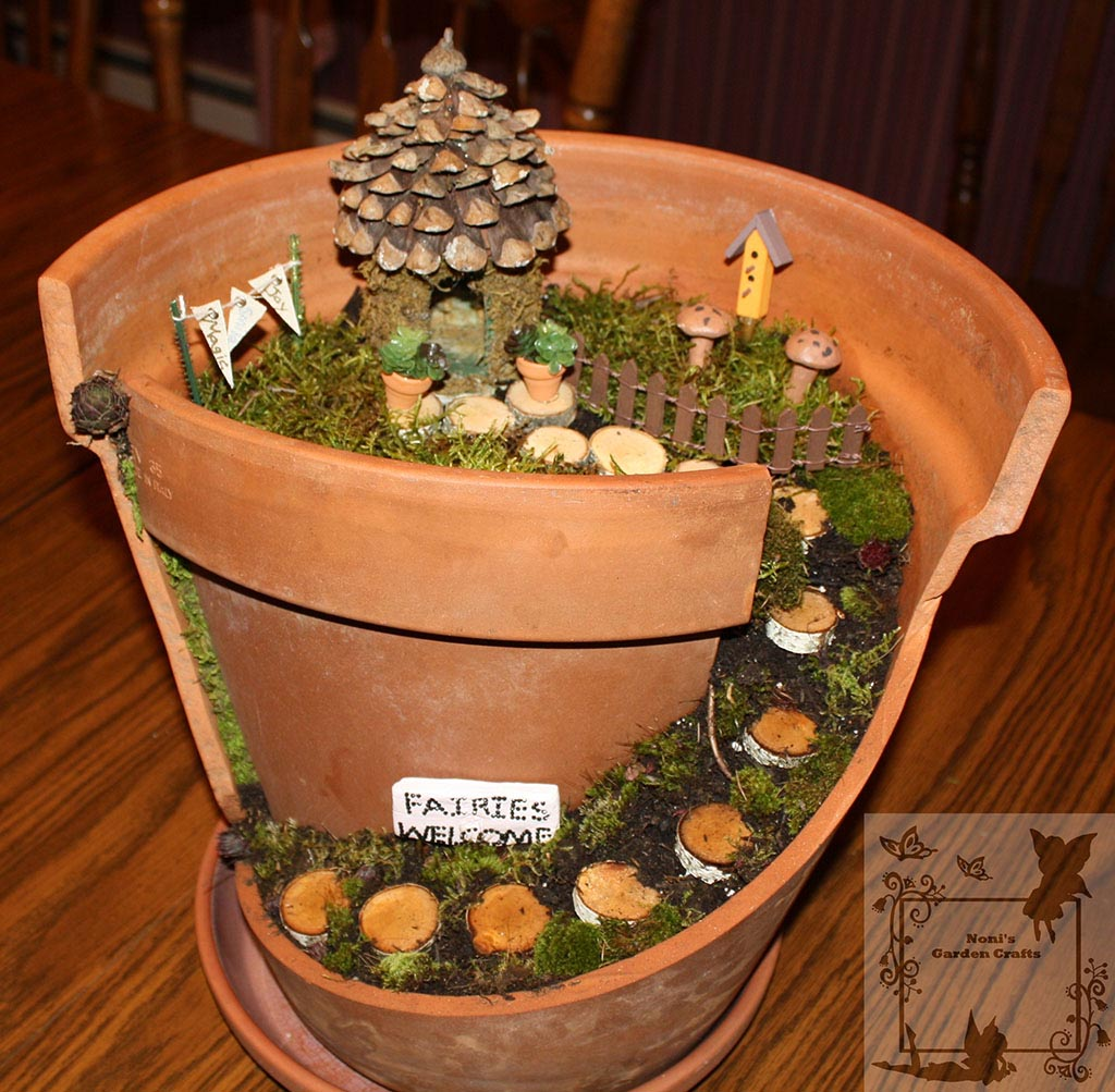 Fairy garden terracotta pot garden design ideas for Small garden ideas with pots