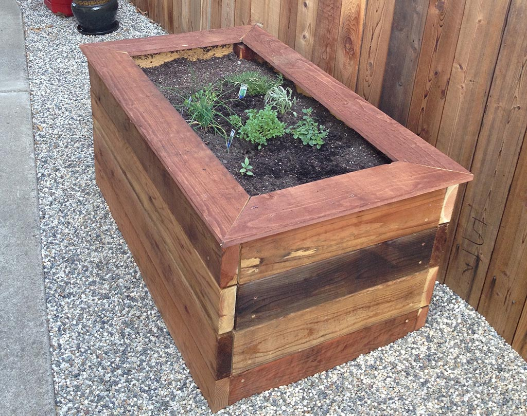 Garden box plans cedar garden box the planter box company for Garden planter plans