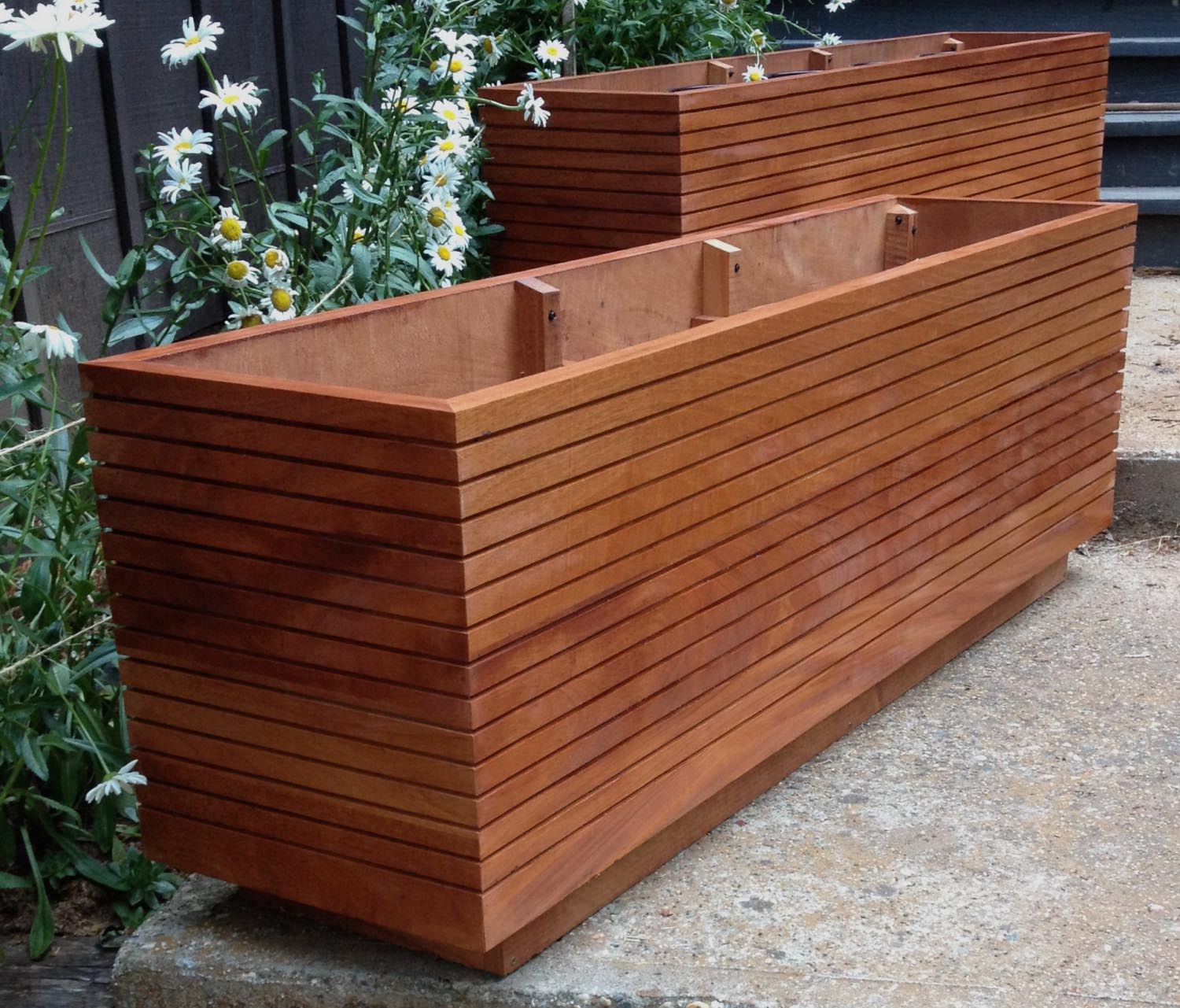 Rectangular wooden planter boxes garden design ideas for Planter box garden designs