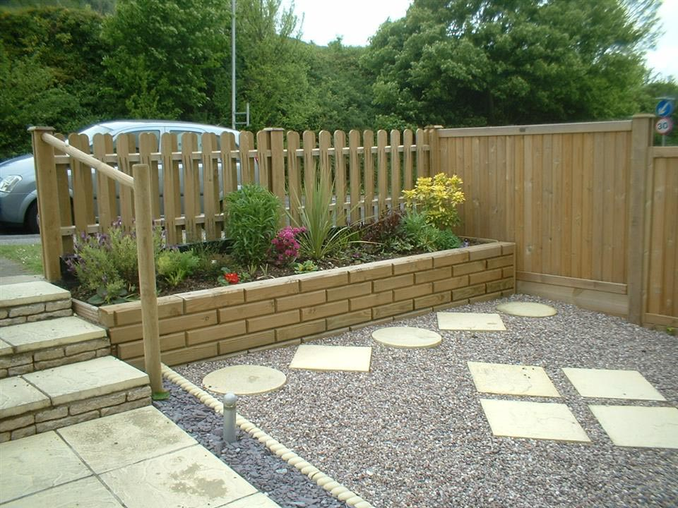 Small Fences for Front Gardens