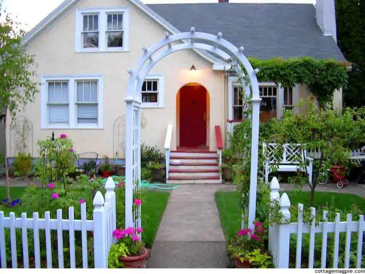 Small Garden Picket Fence