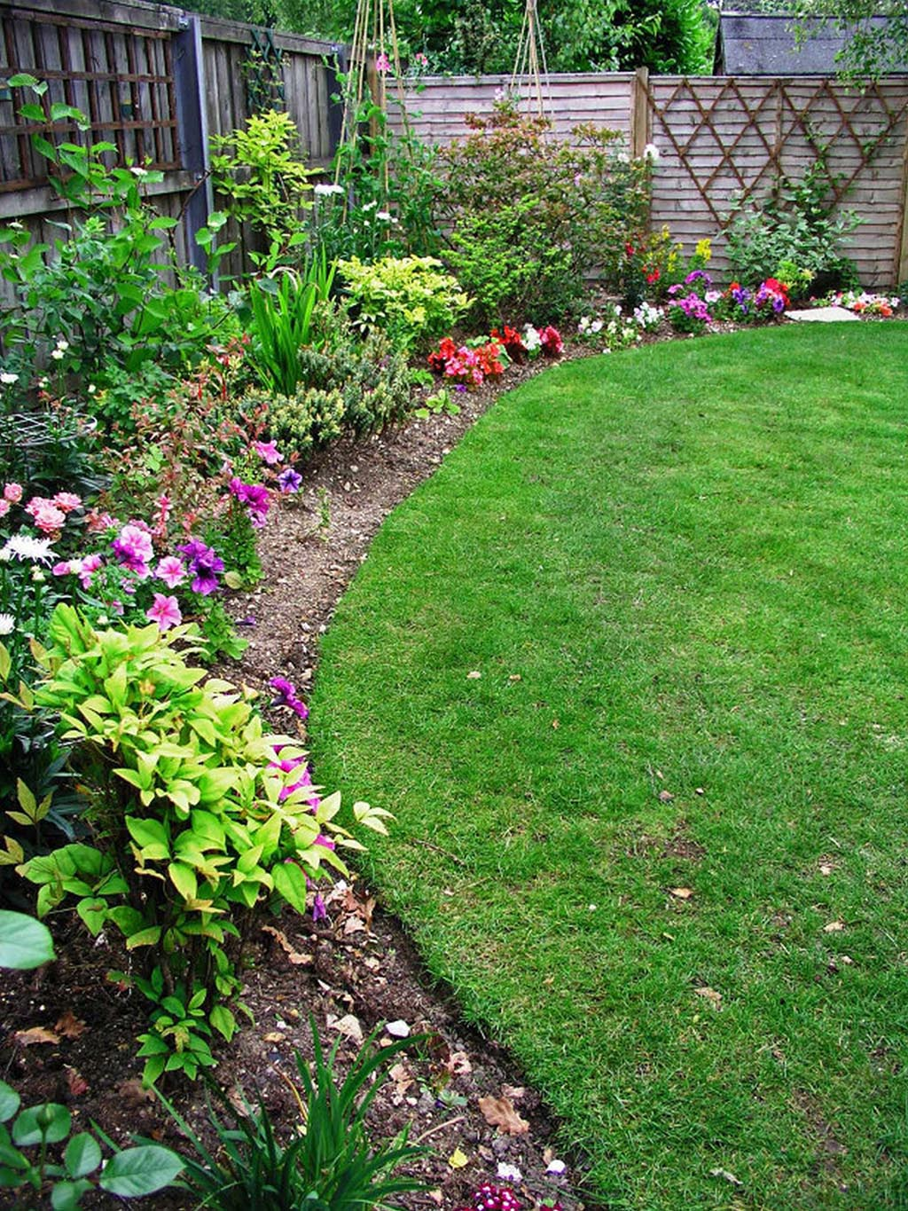 Garden Border Fencing for Many Occasions