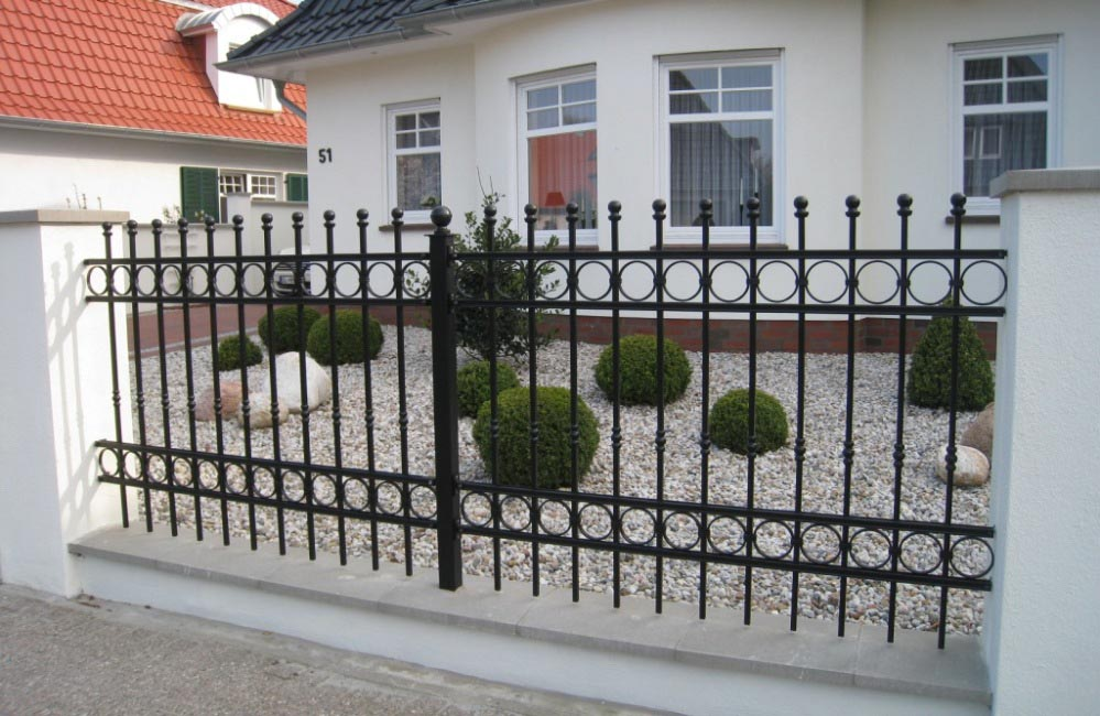Garden fence panels metal garden design ideas for Garden fencing ideas metal