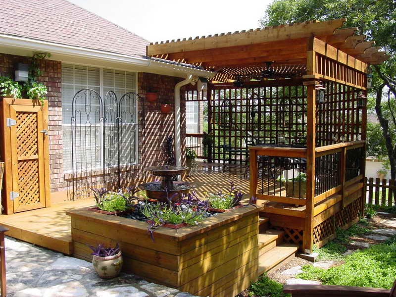 Garden Privacy Screen A Good Way To Decorate Your Backyard