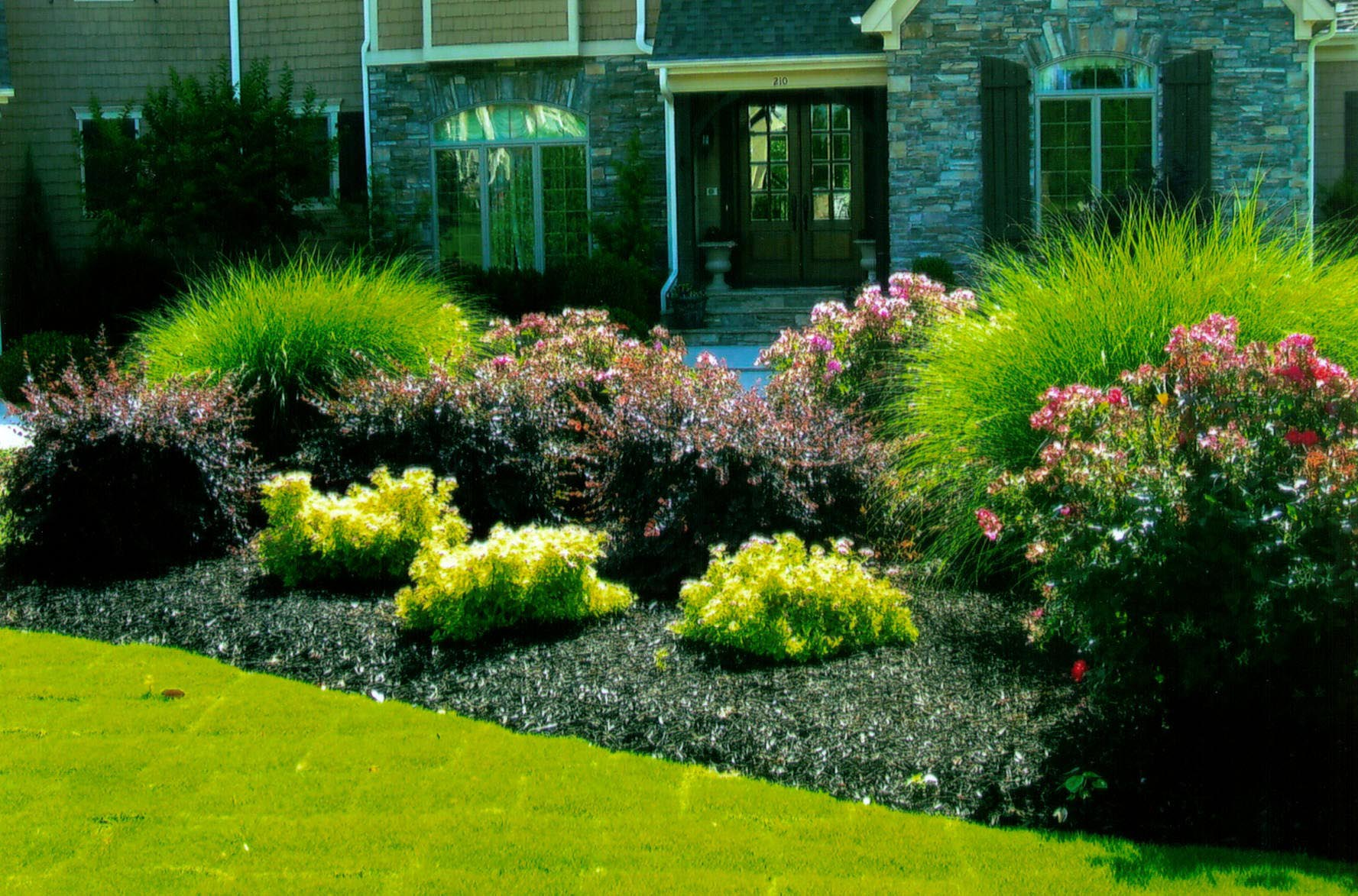 Simple Landscape Designs for Backyards