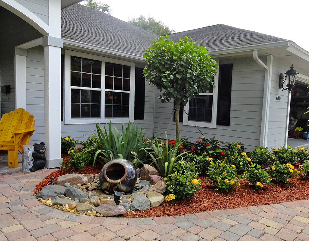 Small Yard Landscaping Ideas Designs